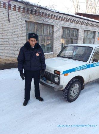 В Зауралье старший участковый уполномоченный полиции оказал помощь мужчине, страдающему сердечно-сосудистыми заболеваниями